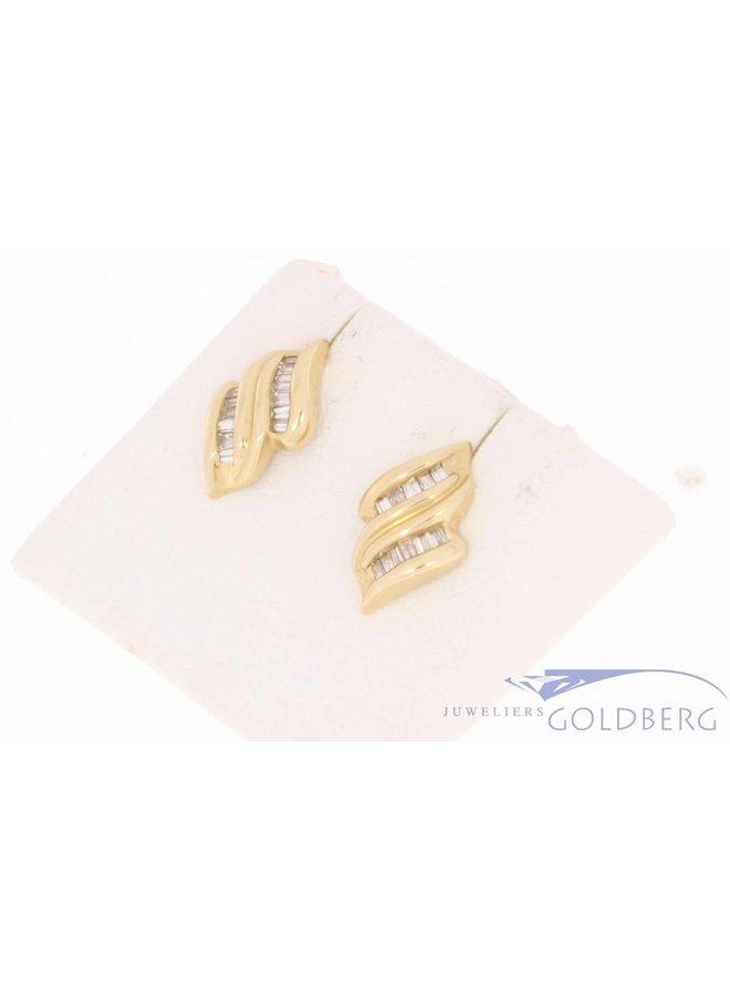 Vintage 14 carat gold earstuds with ca. 0.45ct baguette cut diamond