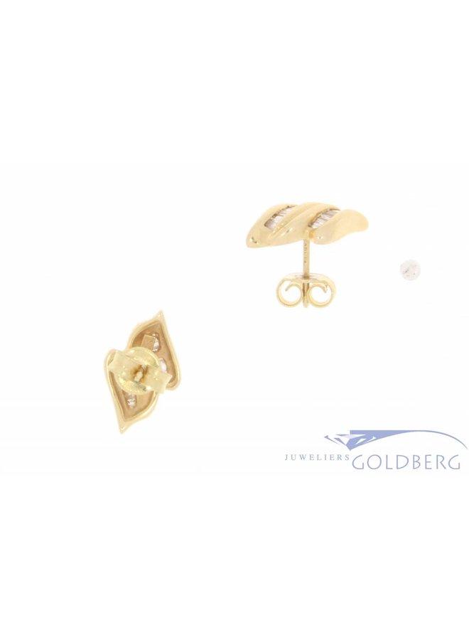 Vintage 14k gouden oorstekers met ca. 0.45ct baguette geslepen diamant