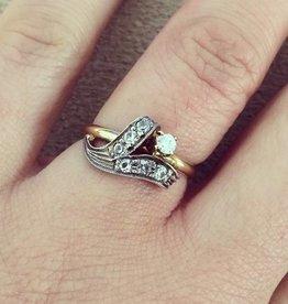 Vintage 14 carat bicolor gold vintage ring with zirconia's