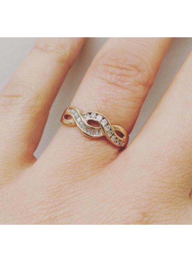Vintage 14k gouden ring met ca. 0.25ct briljant en baguette geslepen diamant