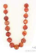 Antique carnelian necklace with 14 carat golden lock