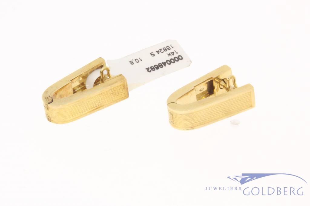 Uniquely shaped vintage 14 carat gold cufflinks