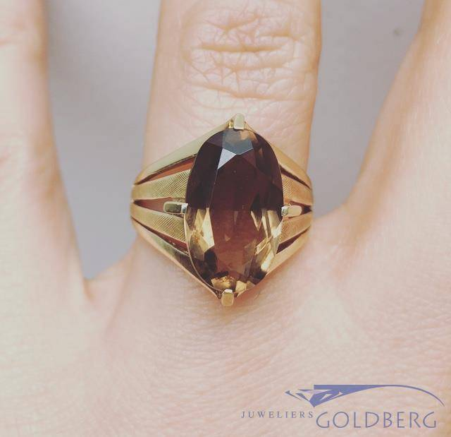 Vintage 14 carat gold ring with smoky quartz