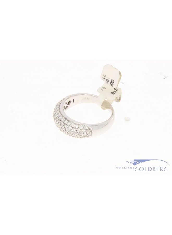 18 carat white gold ring with ca. 0.90ct brilliant cut diamond