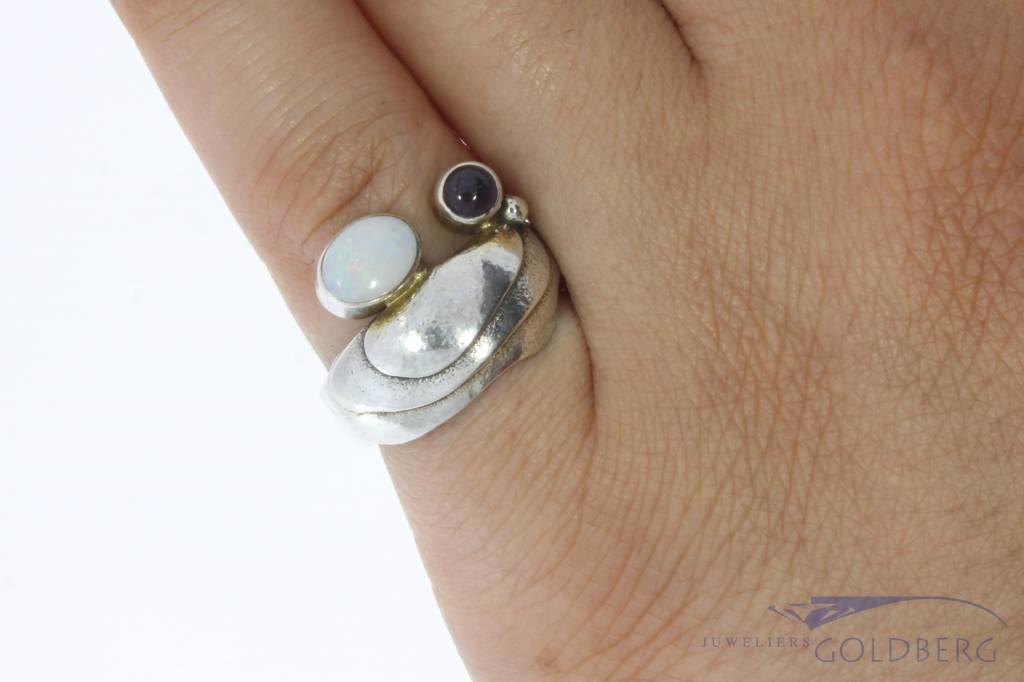 Robuuste vintage zilveren ring met opaal en amethist