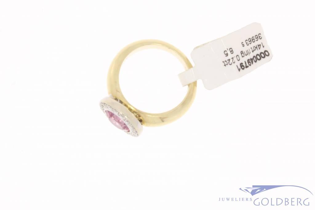 Vintage 14 karaat ring met roze zirconia en ca. 0.22ct briljant