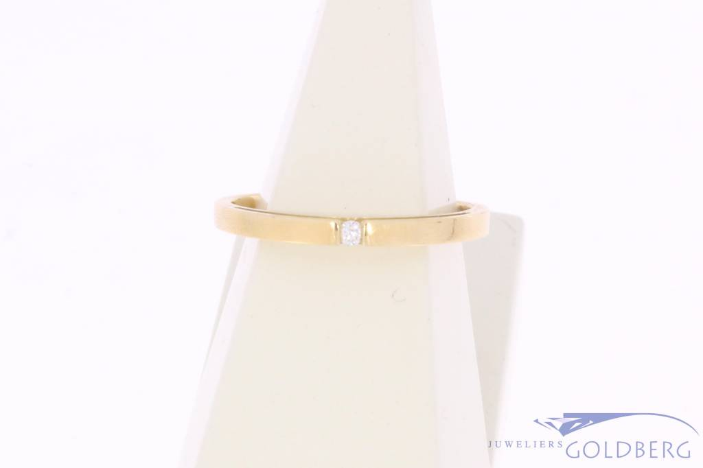Vintage 14 carat gold solitaire LeChic ring with approx. 0.03ct brilliant cut diamond