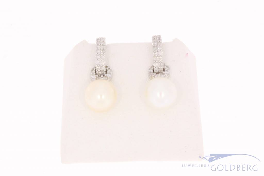 0 26ct Brilliant Cut Diamond Vintage 14 Carat White Gold Earrings With Pearl And Rox
