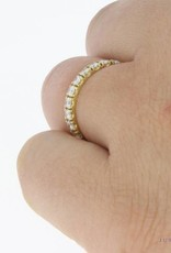 Vintage 18 carat gold alliance ring with ca. 0.55ct brilliant cut diamond
