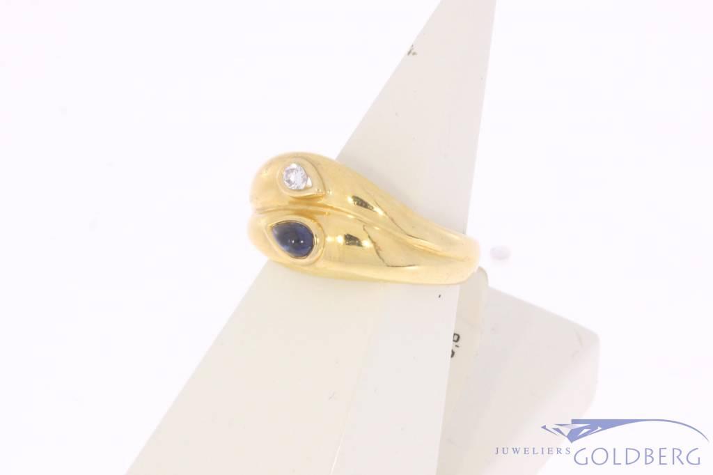 Robuuste vintage 18k gouden ring met saffier en ca. 0.05ct briljant