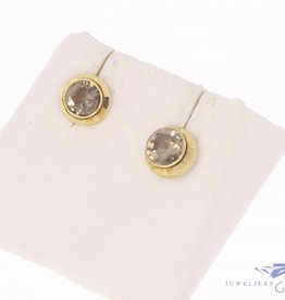 Vintage 14 carat gold earstuds with quartz
