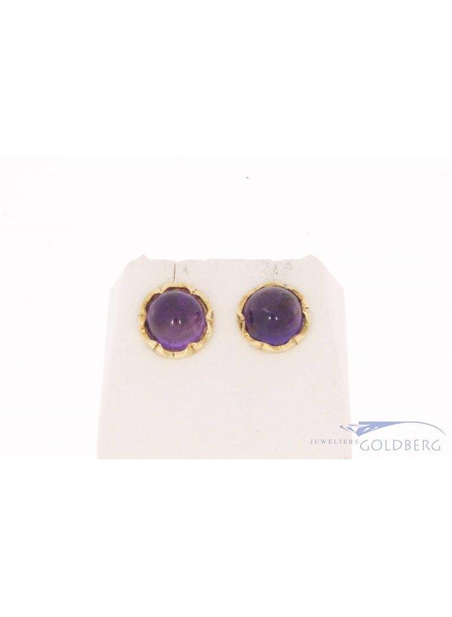 Vintage 14k gouden cirkelvormige oorstekers met amethist