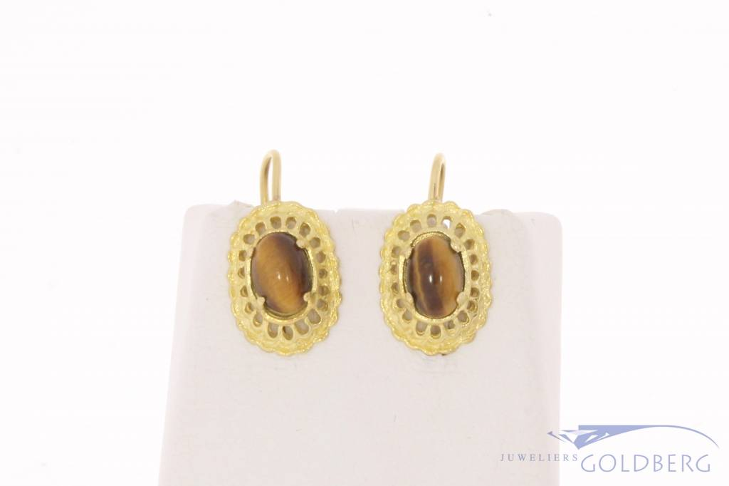 Vintage 18 carat gold earrings with Tiger's eye