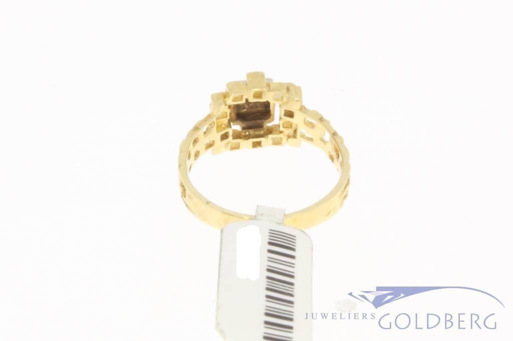 Bijzonder vintage 14k gouden solitaire ring met ca. 0.02ct diamant