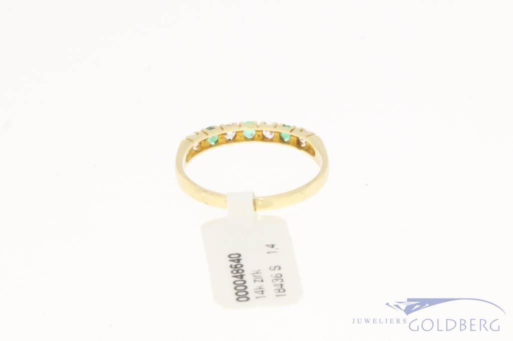 Vintage 14k gouden alliance ring met zirconia en synthetische smaragd