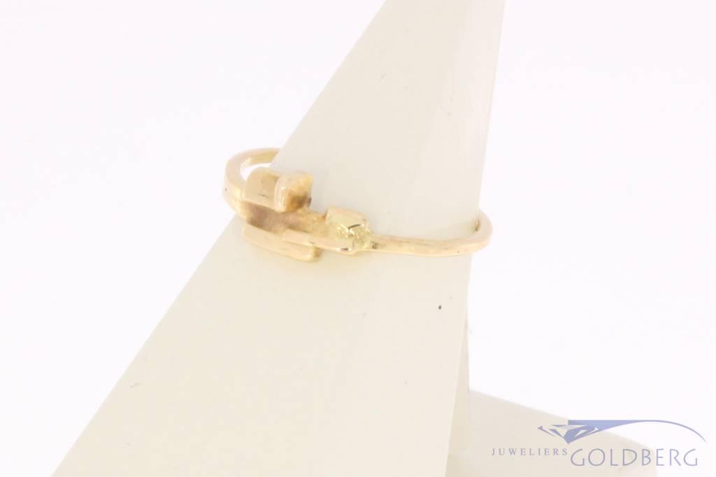Minimalist vintage 14 carat gold design ring