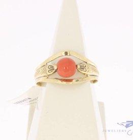Vintage 14k gouden ring met ronde bloedkoraal