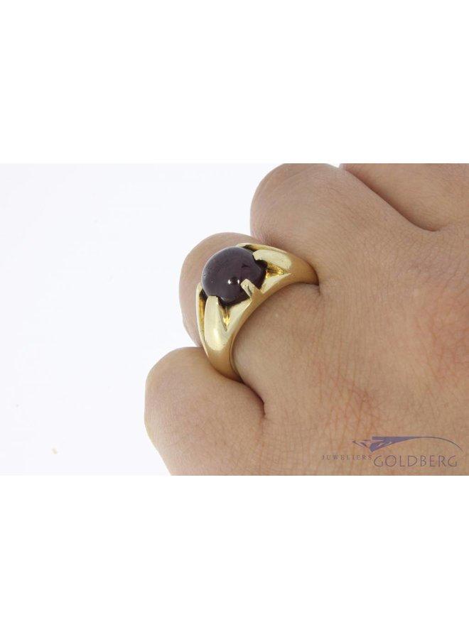 Zware vintage 14k gouden ring met grote robijn