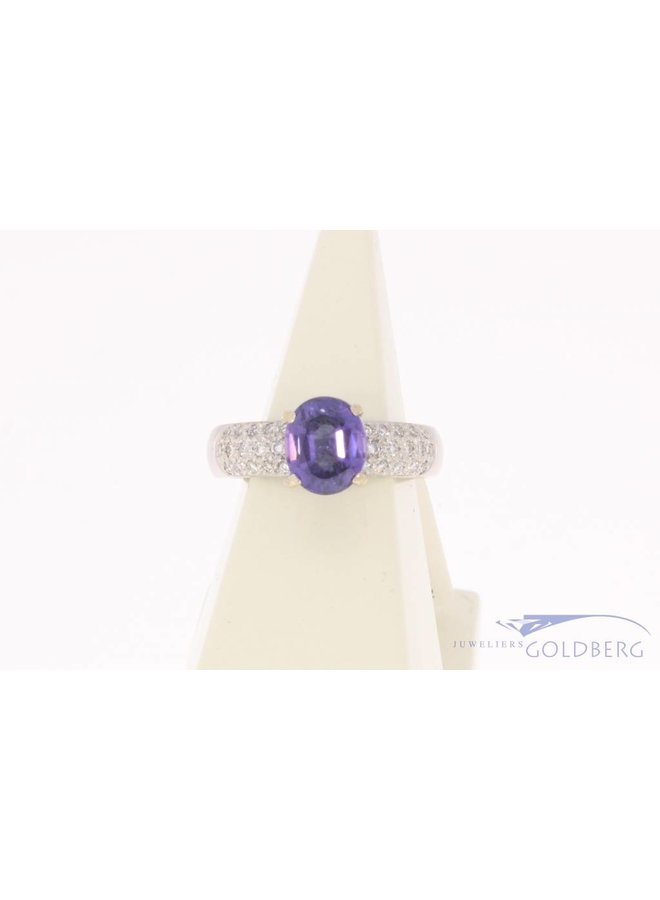 Vintage 18k witgouden ring met violet spinel en ca. 0.25ct briljant geslepen diamant