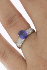 Vintage 18 carat white gold ring with violet spinel and ca. 0.25ct brilliant cut diamond