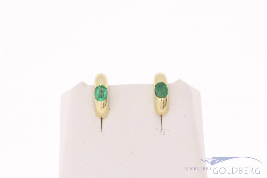 Vintage 14k gouden halve creolen met smaragd