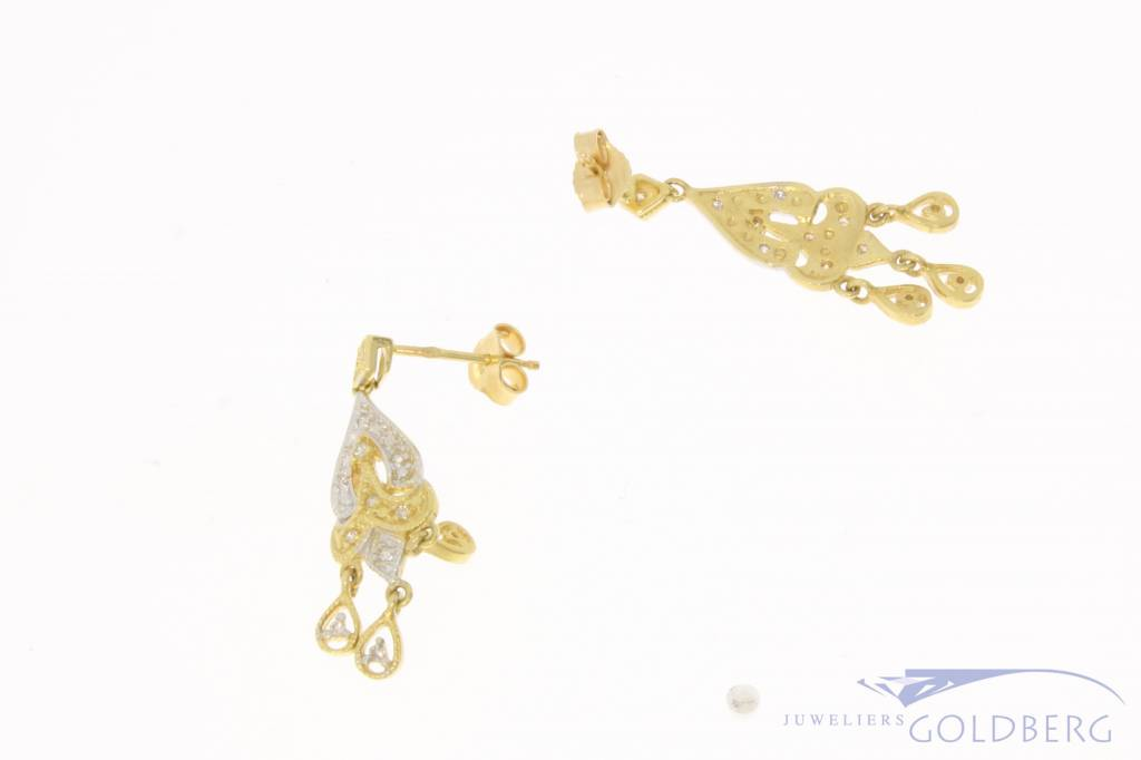 Vintage 18 carat gold pendent earstuds with approx. 0.12ct diamond
