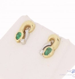 Vintage 14k bicolor gouden oorstekers met smaragd en ca. 0.04ct briljant geslepen diamant