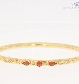 Vintage 14k gouden versierde slavenarmband  met bloedkoraal