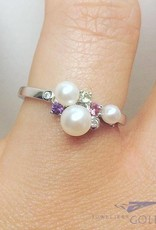 Vintage 14 carat white gold ring with pearl, amethyst, pink tourmaline, peridot & brilliant cut diamond