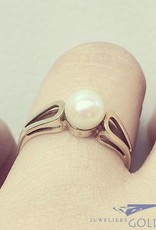 Vintage 14 carat gold ring with pearl