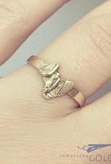 Vintage 14 carat gold design ring