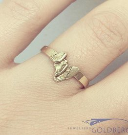 Vintage 14 carat gold design ring