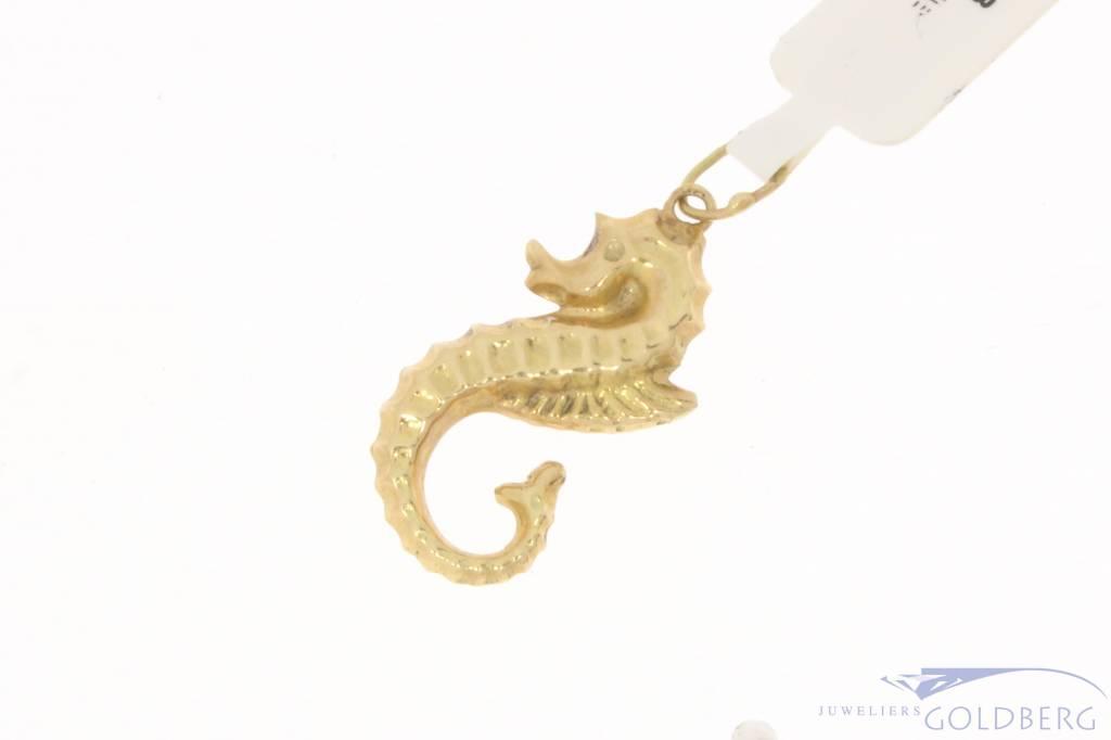 Vintage 14 carat gold pendant seahorse
