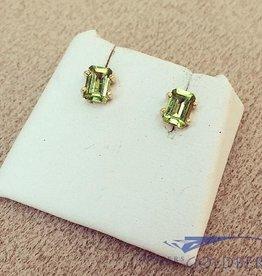Vintage 18k gouden oorstekers met peridot