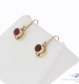 Vintage 14k gouden oorhangers met synthetische robijn