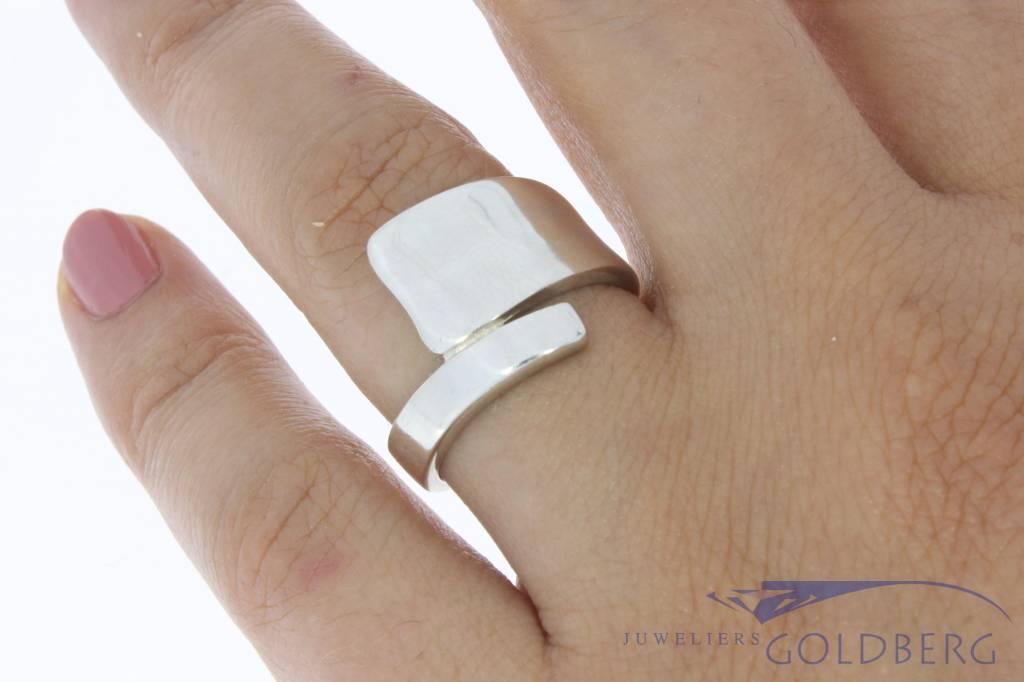 Robust & sleek vintage silver unisex ring