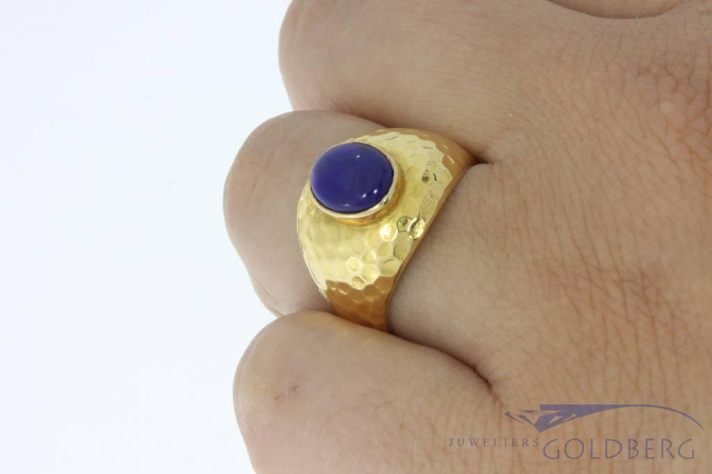 Robuuste vintage 18k gouden ring met Lapis Lazuli