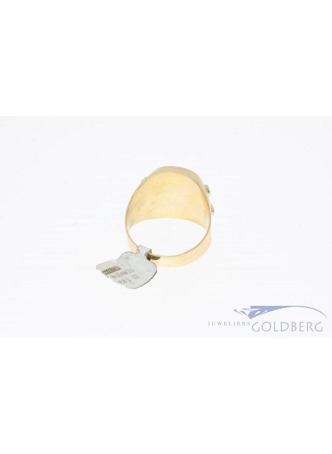 Vintage 18 carat gold men's signet ring
