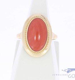Vintage 14k gouden ring met ovale bloedkoraal