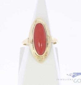 Vintage 14k gouden ring met grote ovale bloedkoraal