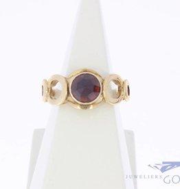 Vintage 14k gouden ring met facet geslepen granaat