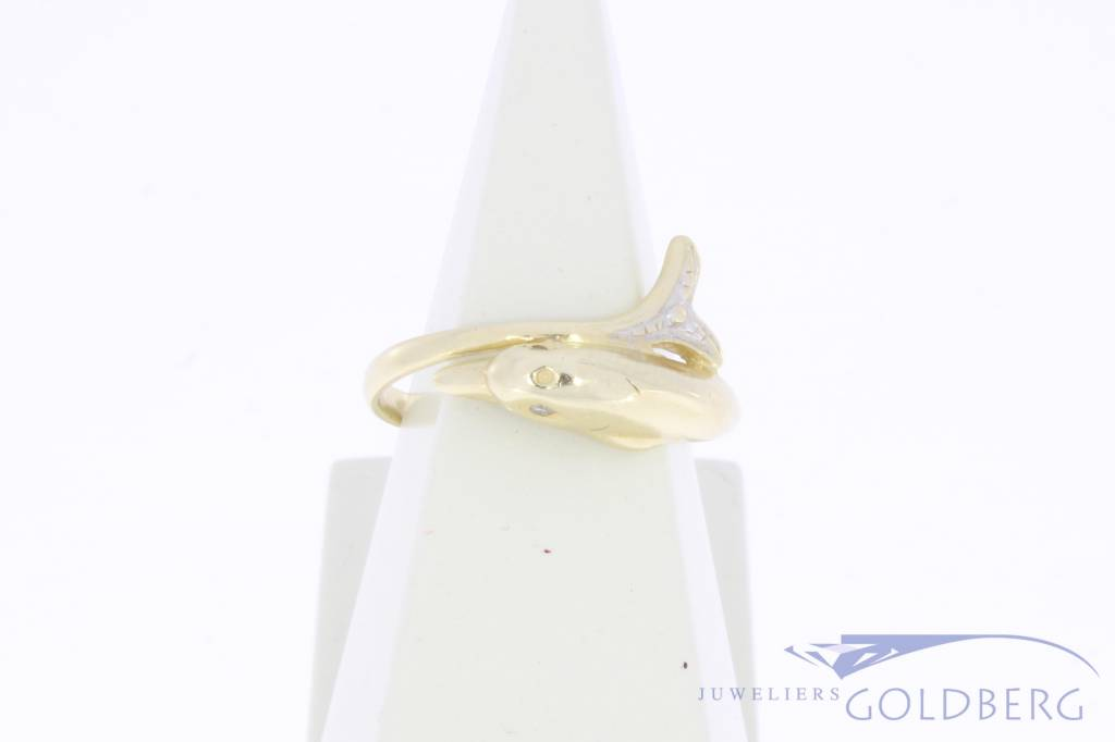 Vintage 14 carat gold dolphin ring with diamond
