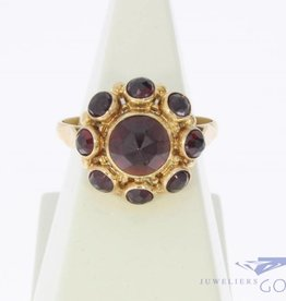 Vintage 14 carat gold ring with facet cut garnet