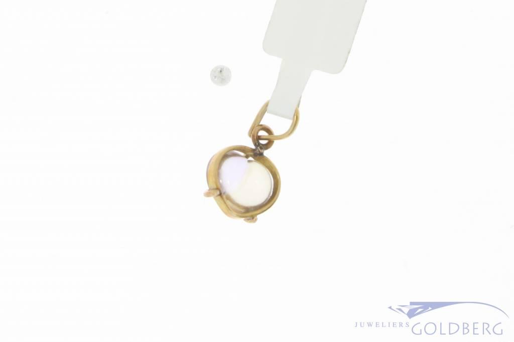 Vintage 18 carat gold pendant with tourmaline
