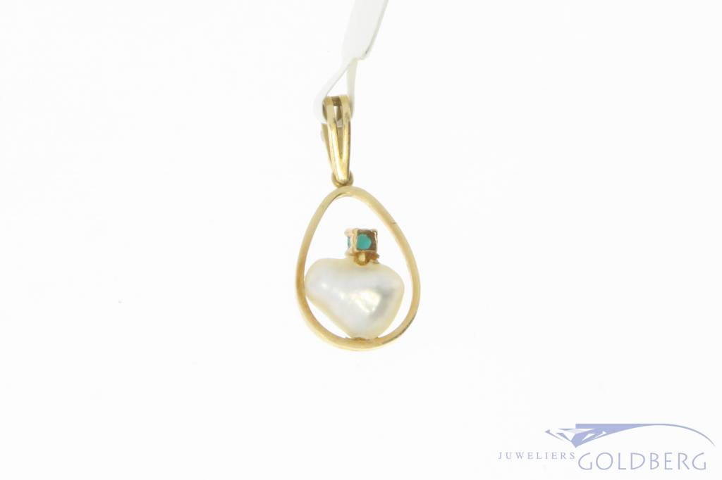 Vintage 18 carat gold pendant with pearl and turquoise