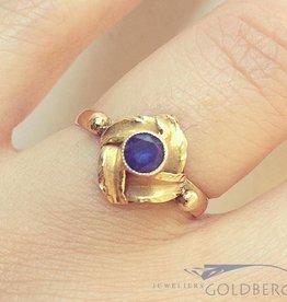 Vintage 14k gouden design ring met blauwe saffier