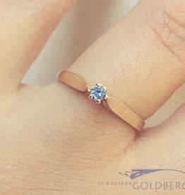 Vintage 14k gouden ring met blauwe zirconia