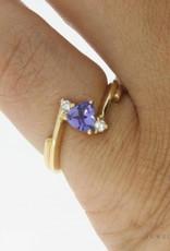 Vintage 14 carat gold ring with tanzanite and ca.0.08ct brilliant cut diamond