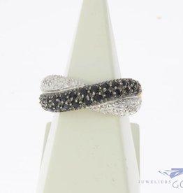 Vintage 18k bicolor gouden ring met blauwe saffier en ca. 0.45ct diamant