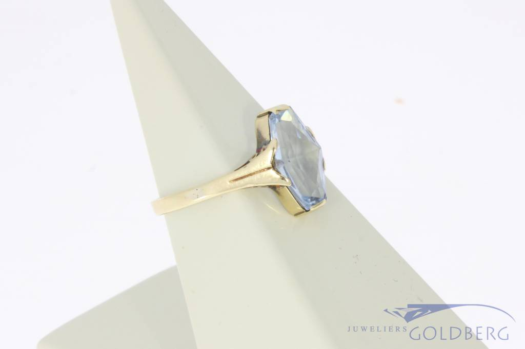 Antique 14k gold ring with aquamarine colored synthetic spinel 1930s